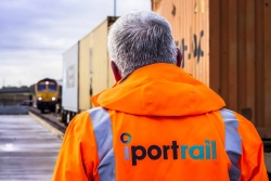 i-port-rail-worker