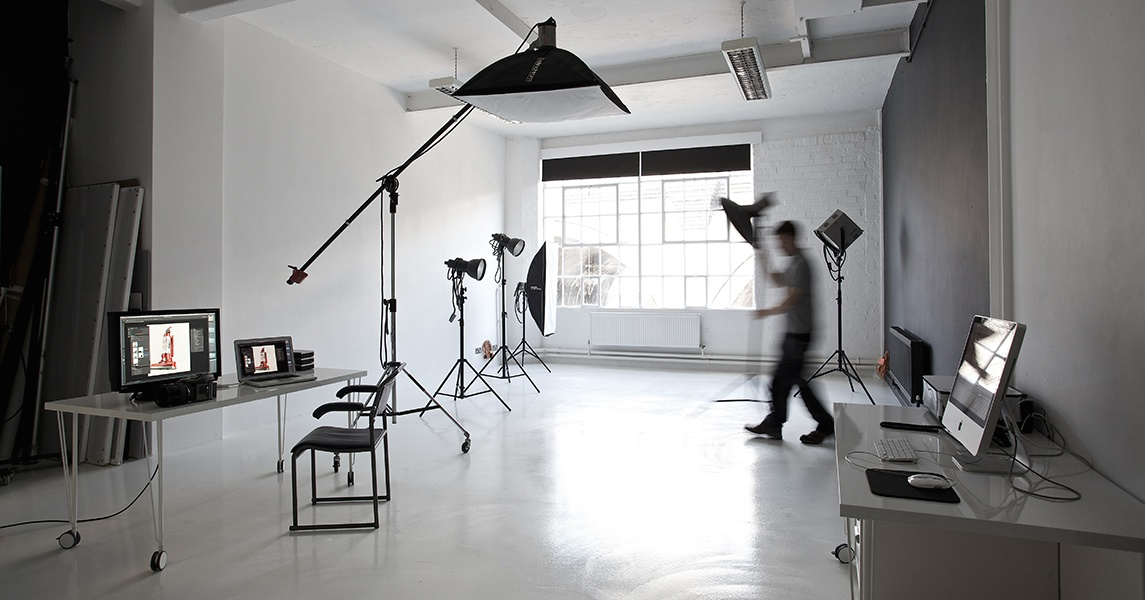 Photographic studio at 209 Custard factory Birmingham by- Ross Vincent