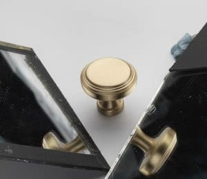 Product photography of handles with reflecting mirrors how to do